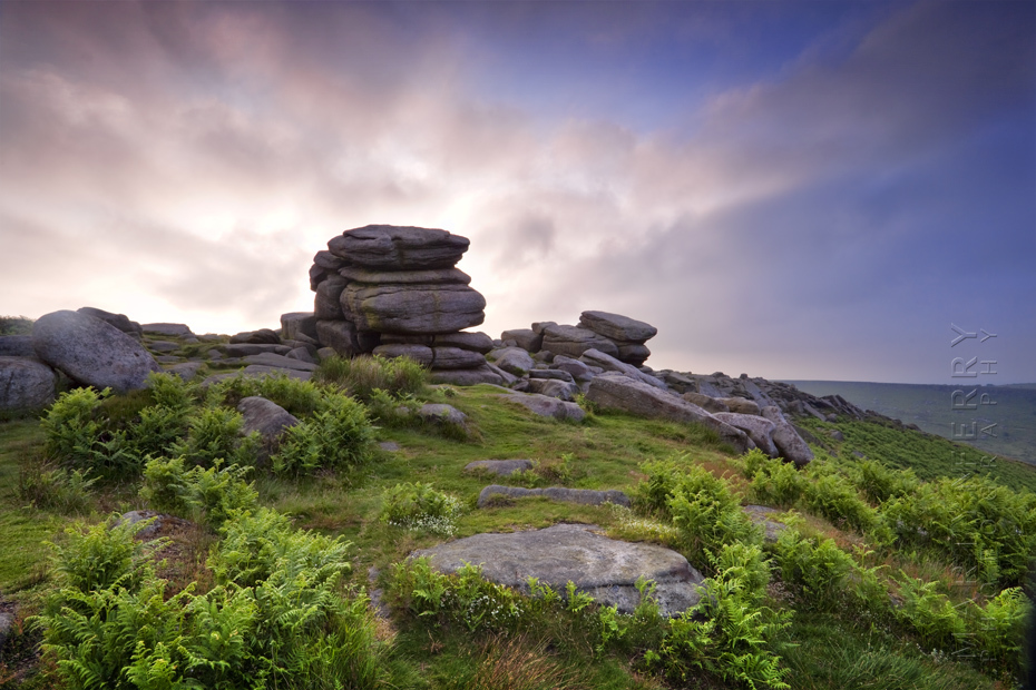 Sunrise photograph of Higger Tor in the Peak District