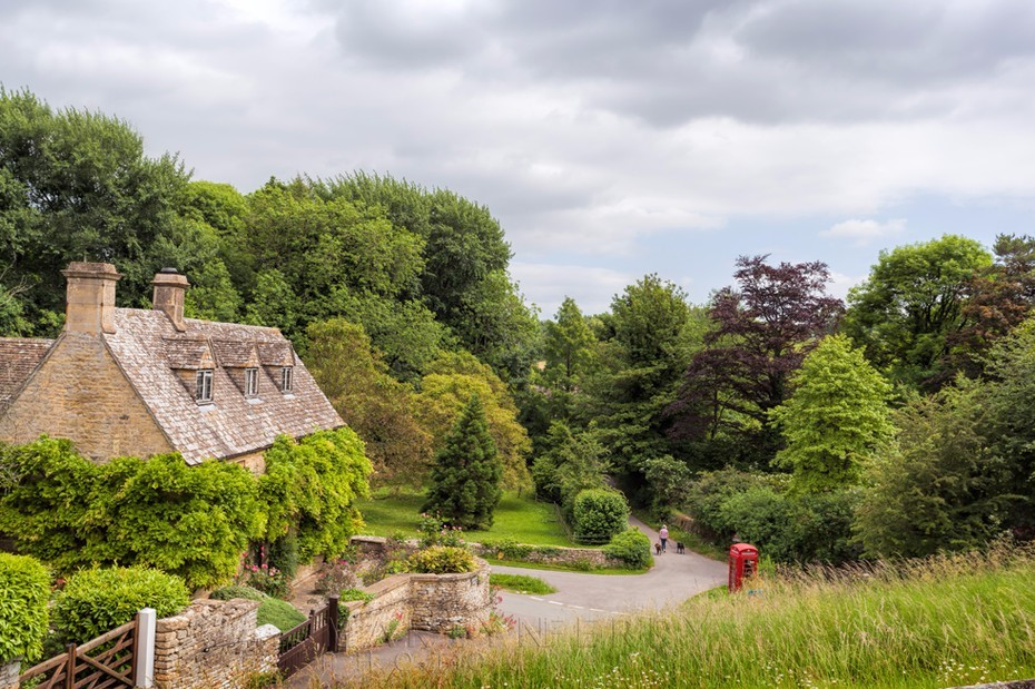 Idyllic Cotswold scene at Duntisbourne Abbots village