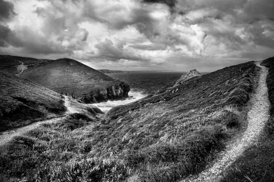 Dramatic image of Chapel Porth on a stormy day