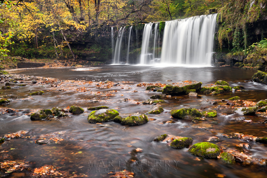 Upper Gushing Falls with autumn leaves