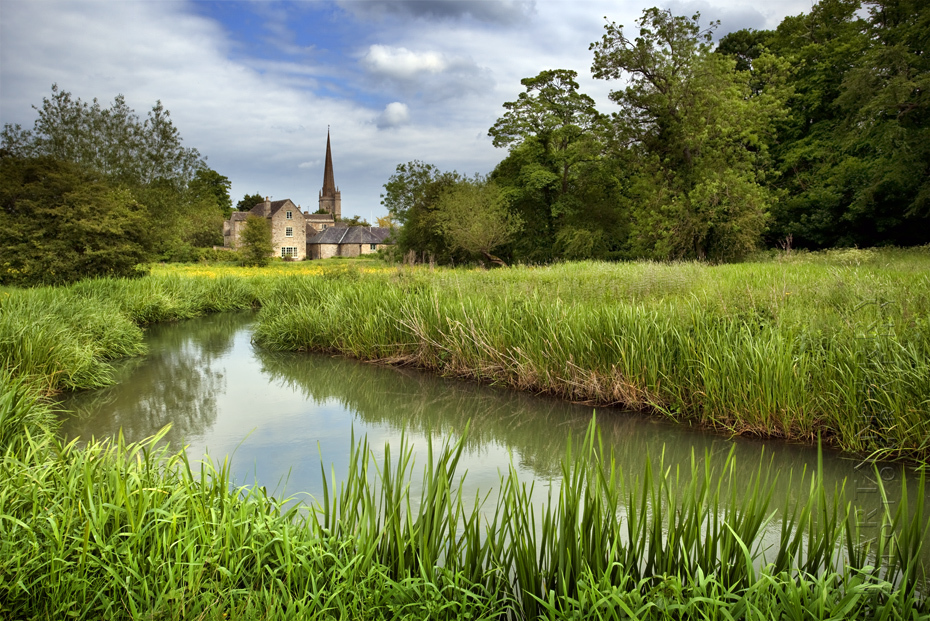 Cotswold photograph looking towards Burford