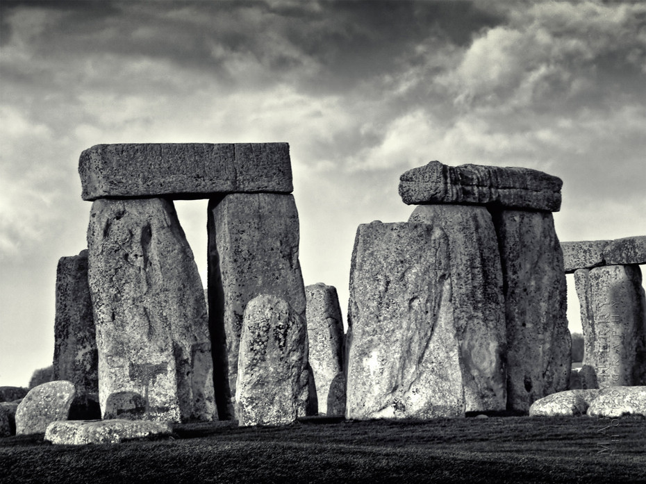 Atmospheric image of a section of Stonehenge