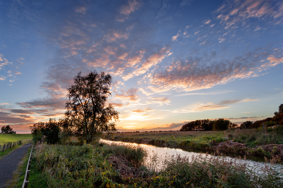 Riverside sunset in the Cambridgeshire countryside at Ouse Washes