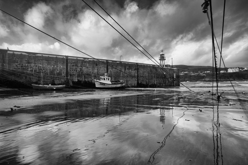 Port Erin Harbour - Mann in Mono