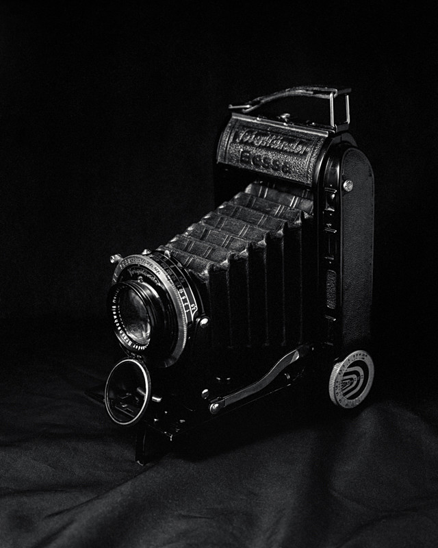 Voigtlander Bessa RF 6x9 Folding Camera - Abstract & Still Life