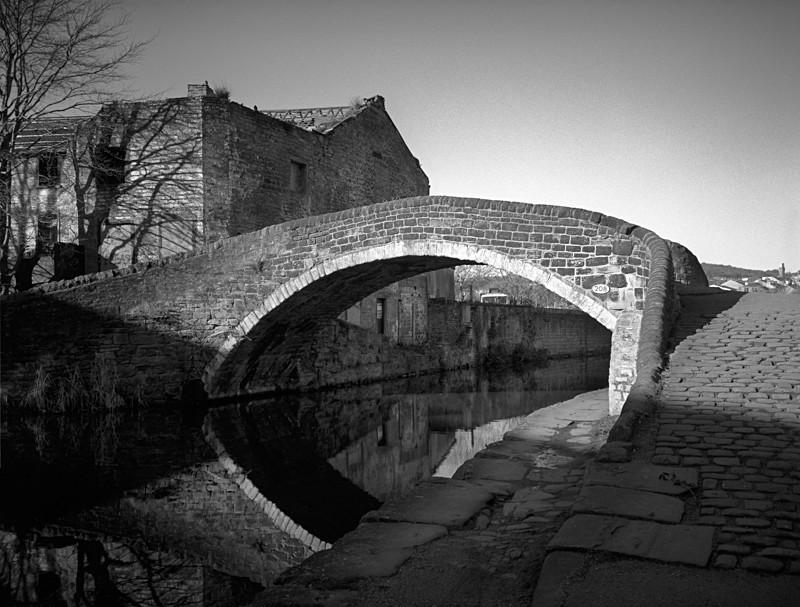 Foot Bridge 208 Leeds & Liverpool Canal - Water