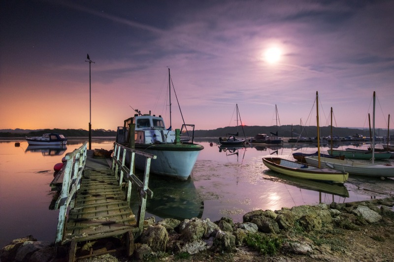 z2513 Shalfleet Quay by Moonlight - Freshwater Bay to Colwell Bay