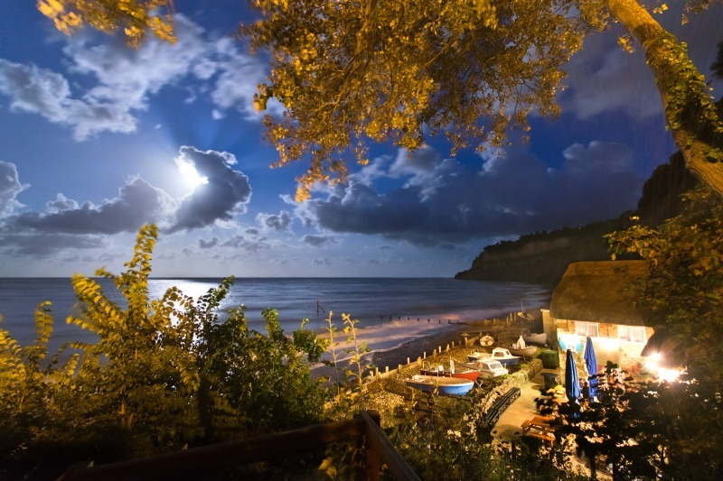 z2484 Shanklin Chine Beach by Moonlight - Sandown, Shanklin, Luccombe and Wroxall