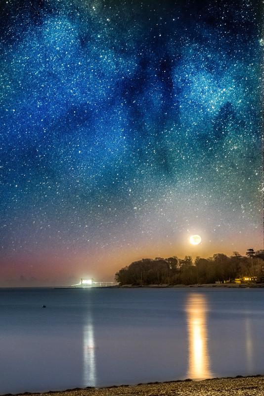 z3170 Milky Way Moonrise, Bembridge - Seaview to Bembridge, Whitecliff Bay and Brading