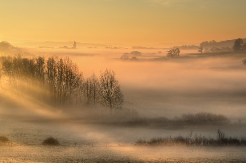z2307 Golden Mist over Whitcombe - The Inner Island inc Newport & Godshill