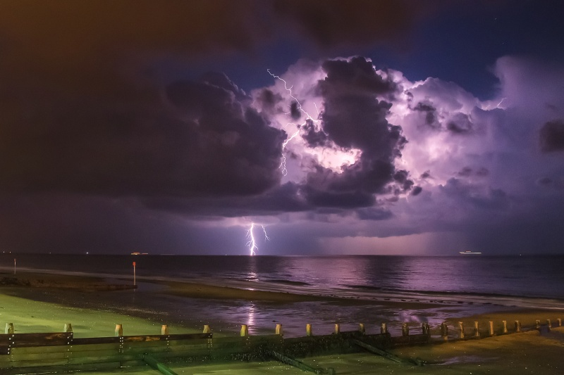 z2544 Megastrike, Sandown Bay - The Lightning Gallery