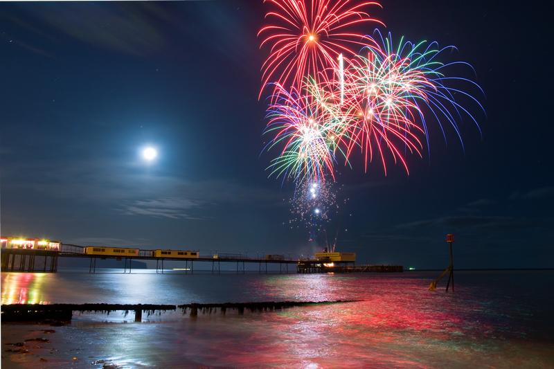 z1704 Fireworks, Sandown Pier - Sandown, Shanklin, Luccombe and Wroxall