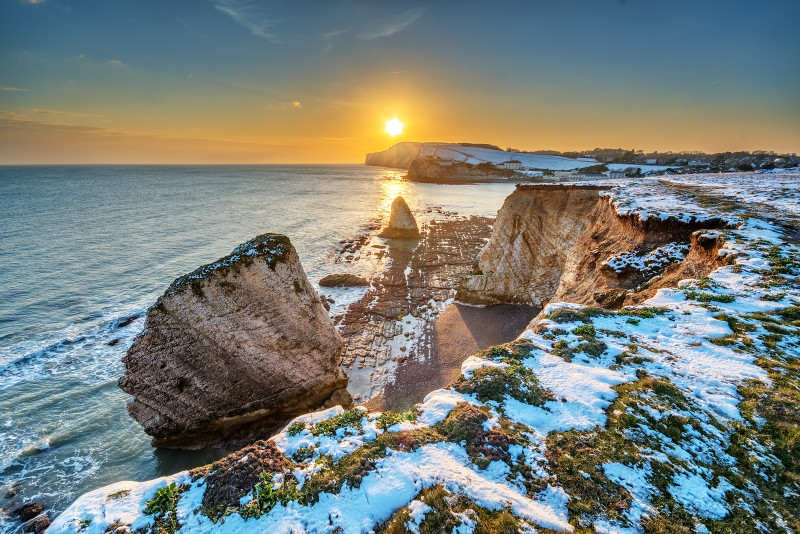 z3184 Snowy Sunset over Freshwater Bay - Latest Photos