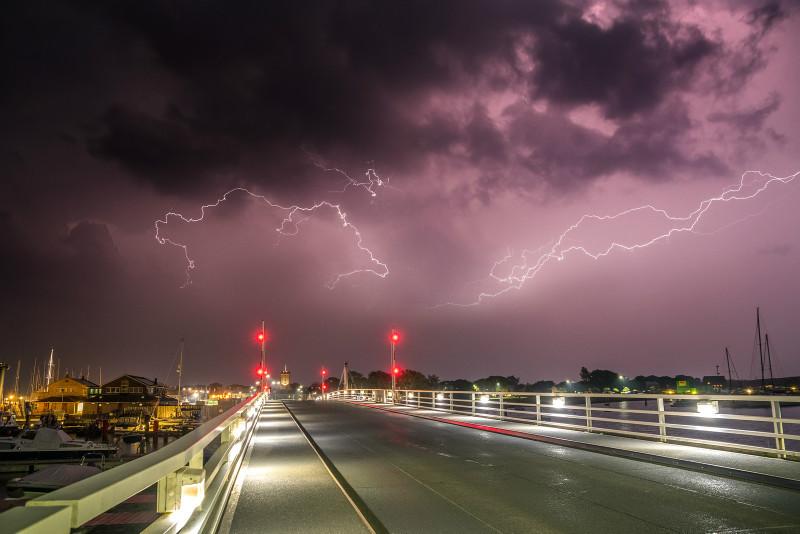z3220 Lightning over Yarmouth - Latest Photos