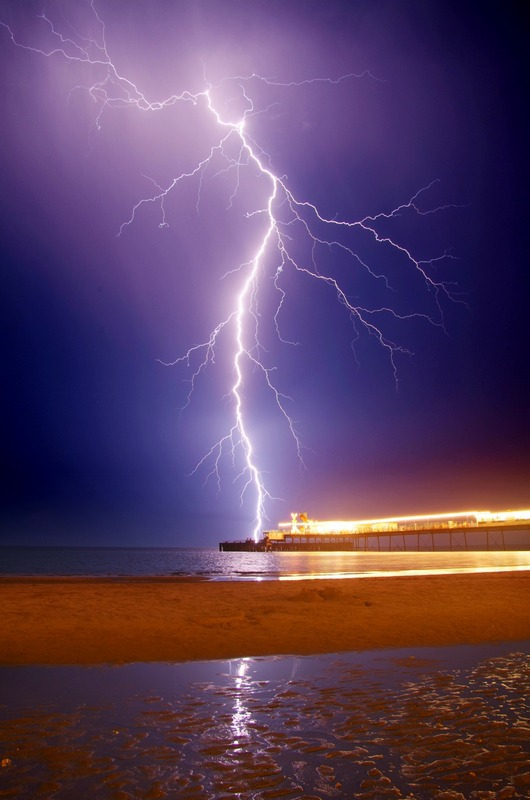 588 Lightning, Sandown Pier - The Lightning Gallery