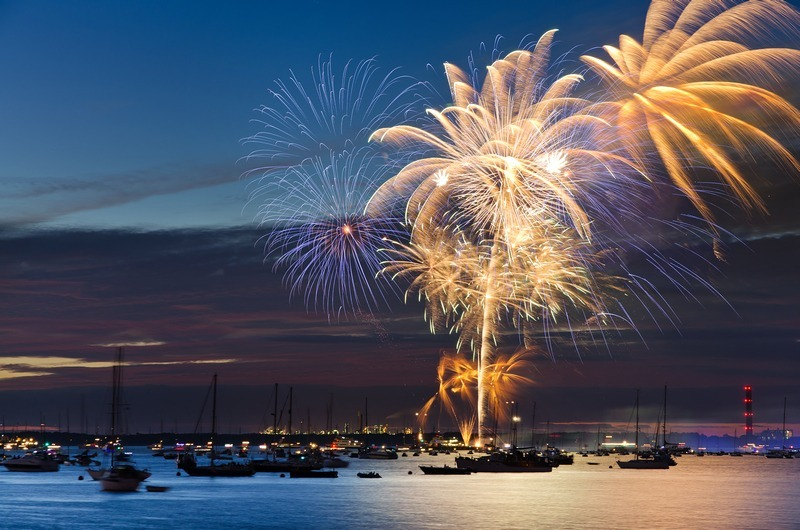z2243 Cowes Fireworks - Yarmouth to West Cowes