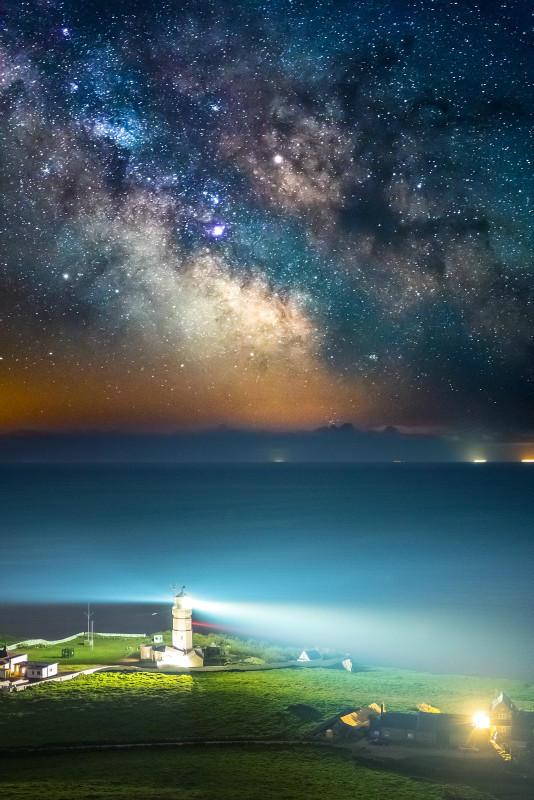 z3190 St Catherines Lighthouse under the Stars - Latest Photos