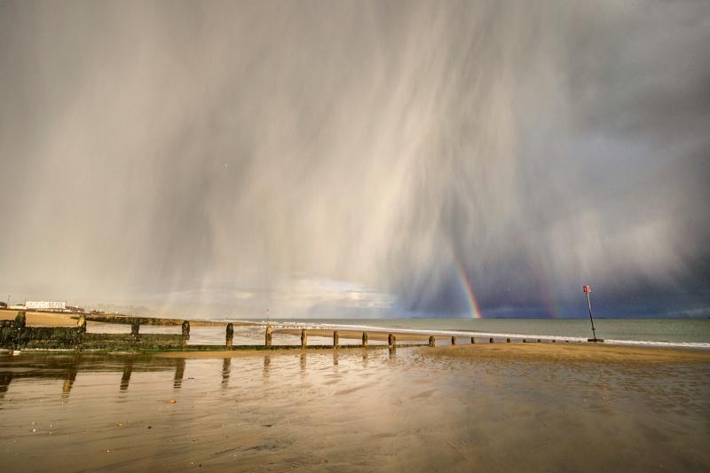 z2647 Approaching Hailstorm, Sandown Bay - Sandown, Shanklin, Luccombe and Wroxall