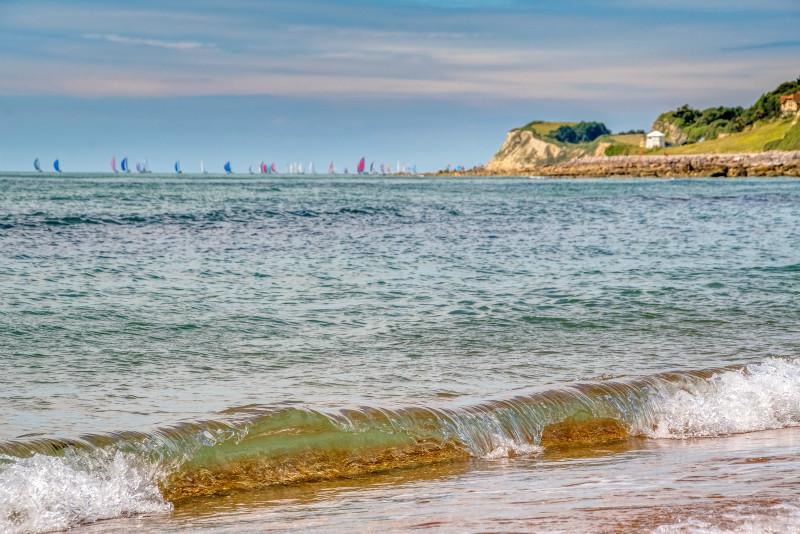 z3077 Round the Island Race, Ventnor Beach - Ventnor to St Catherine's inc Bonchurch & Whitwell