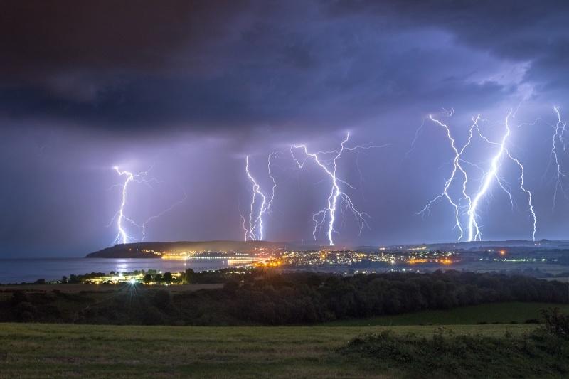 z2777 Late Summer Lightning over Sandown Bay - Sandown, Shanklin, Luccombe and Wroxall