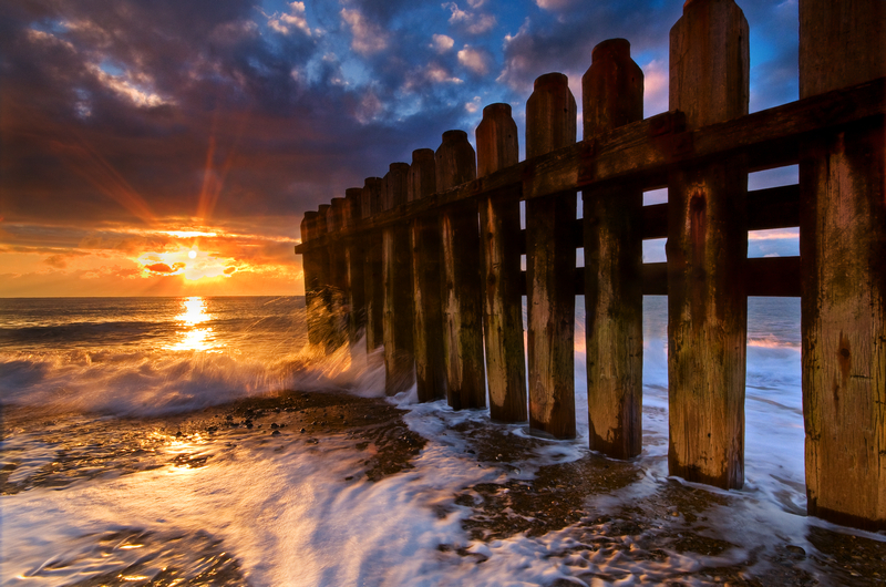 z1722 Ventnor Old Breakwater at Sunrise - Ventnor to St Catherine's inc Bonchurch & Whitwell