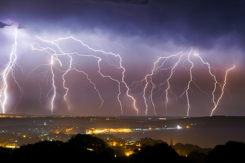z2459 Multistrikes over the Isle of Wight - The Lightning Gallery