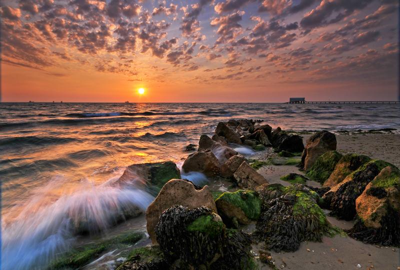 z1342 Sunrise, Bembridge Beach - Seaview to Bembridge, Whitecliff Bay and Brading