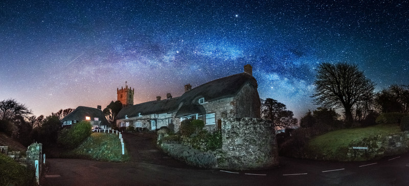 z2899 Godshill Church under Starlight - The Inner Island inc Newport & Godshill