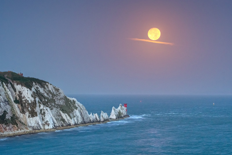 z3108 The Needles Moonset - Freshwater Bay to Colwell Bay