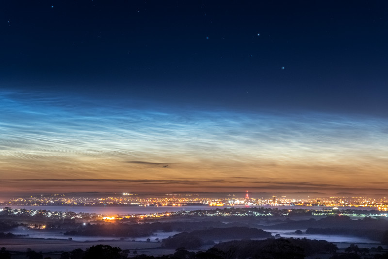 z2932 Noctilucent Clouds overlooking Ashey - East Cowes to Ryde inc Haventstreet, Ashey