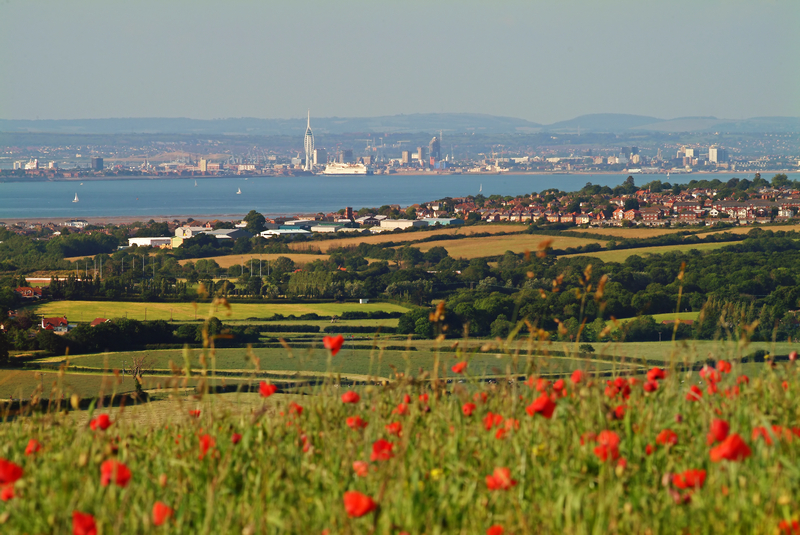 z1001 Nunwell Down and the Solent - The Inner Island inc Newport & Godshill