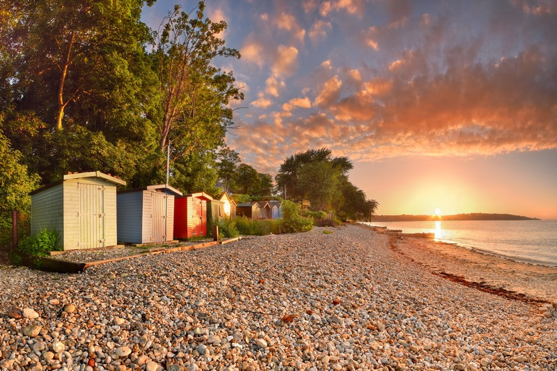 z2413 Bembridge Beach Huts at Sunset - Seaview to Bembridge, Whitecliff Bay and Brading