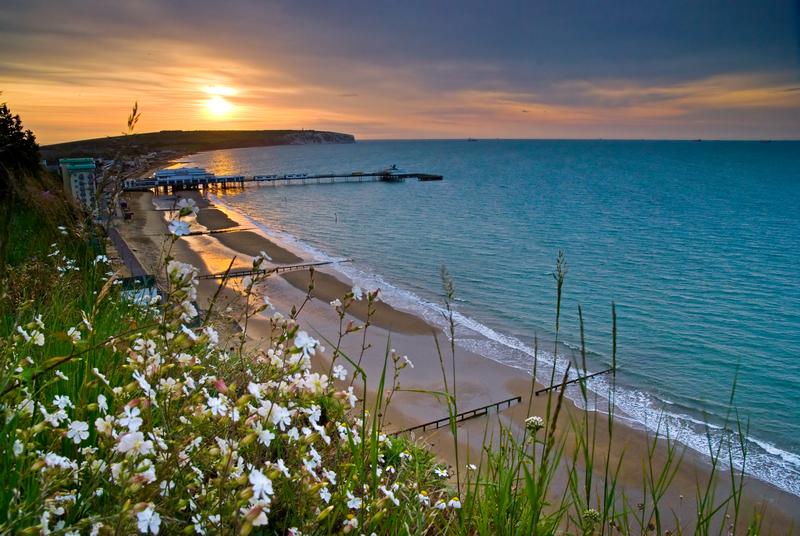 z1021 Sandown Bay sunrise - Sandown, Shanklin, Luccombe and Wroxall