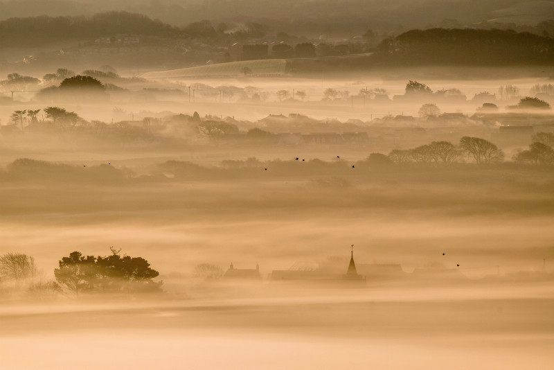 z2979 Winter Mist over Newchurch and beyond - Sandown, Shanklin, Luccombe and Wroxall