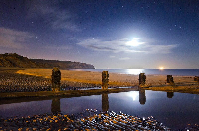z2304 Midnight Moonrise over Culver Sandown Bay - Sandown, Shanklin, Luccombe and Wroxall