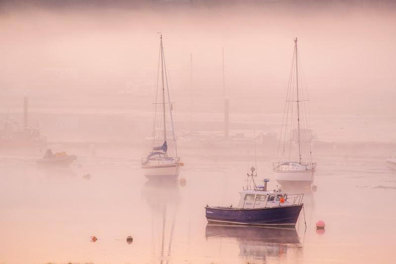 z3189 Pastel Pinks at Dawn Bembridge Harbour - Latest Photos