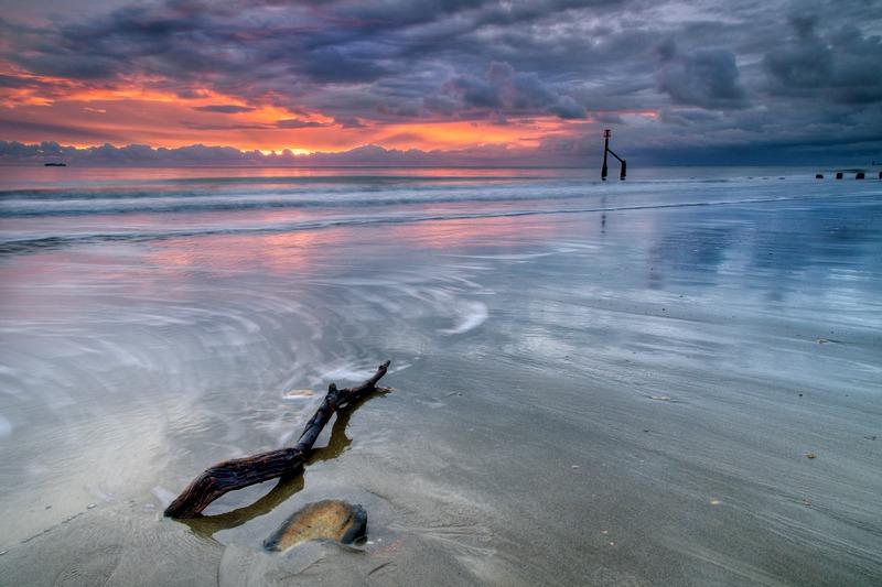 z2349 Moody Dawn, Shanklin Beach - Sandown, Shanklin, Luccombe and Wroxall