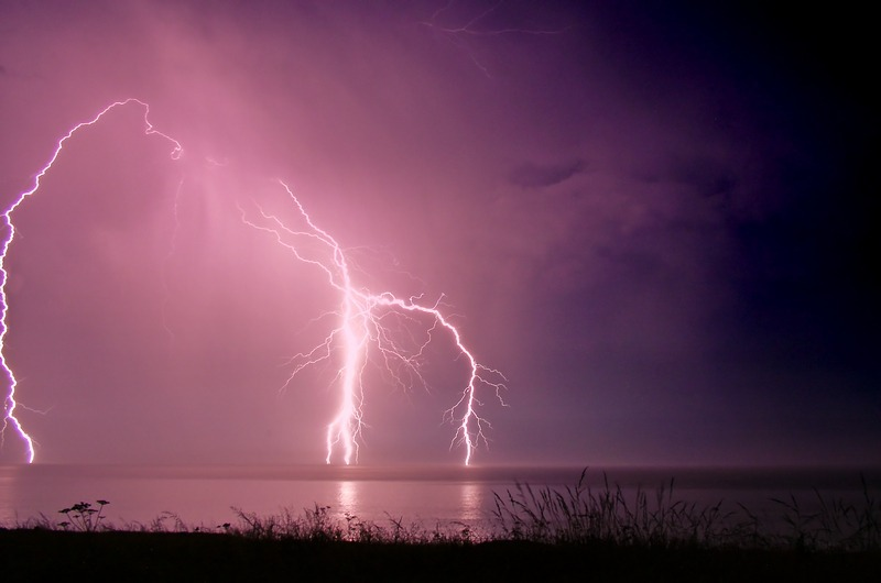 407 Lightning over Compton Bay - The Lightning Gallery