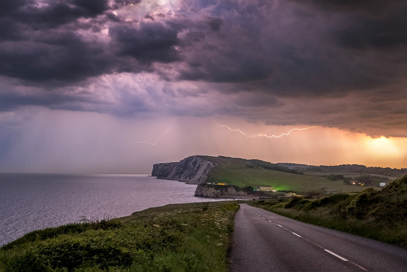 z3066 Storm over Tennyson Down - Freshwater Bay to Colwell Bay