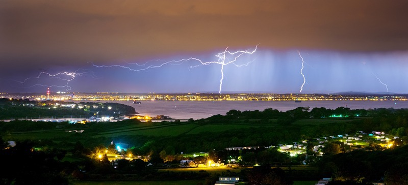 z2418 Distant Storm over Portsmouth - The Lightning Gallery