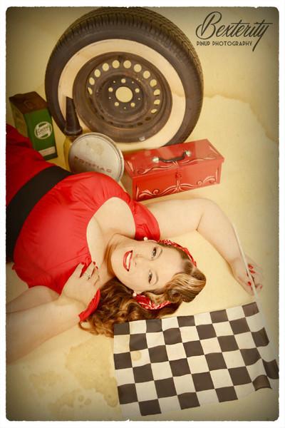 - Garage Girl