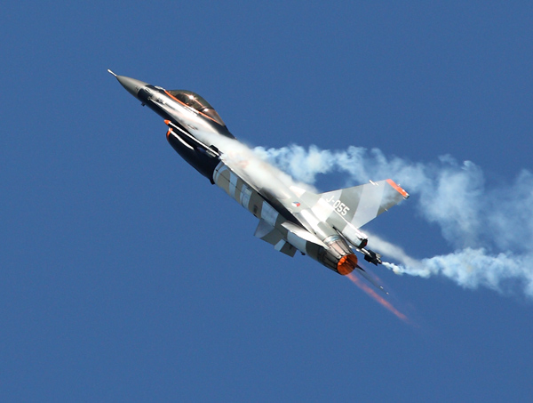 F16   Fighting Falcon - Aviation