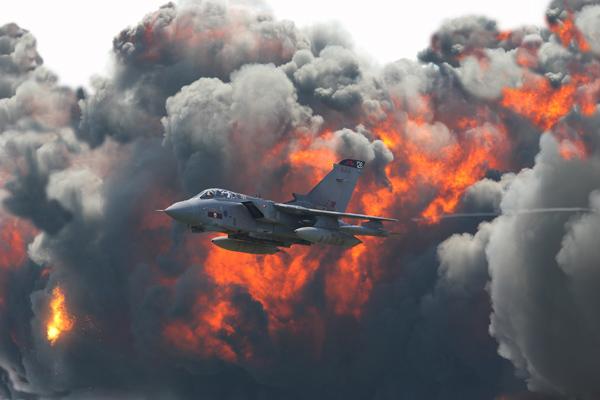 Tornado & RAF Roll Demo - Aviation