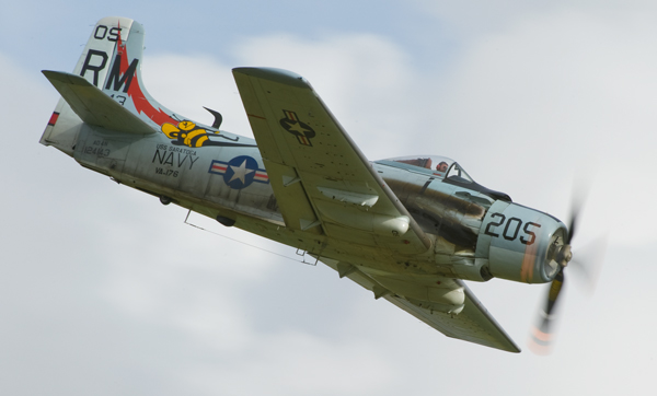 Douglas Skyraider - Aviation