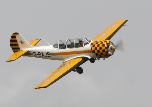 Yak 52 - Aviation