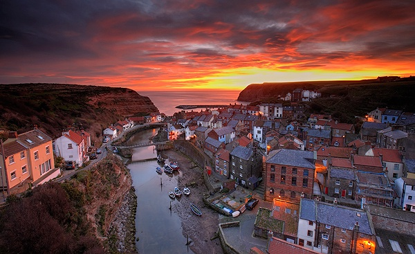 GOOD MORNING STAITHES - FLOATING PANELS