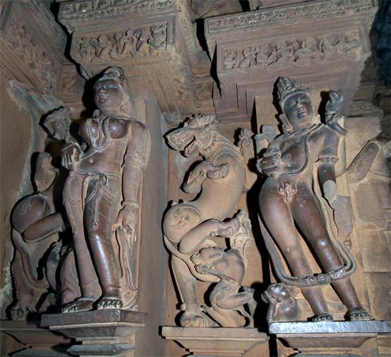 iL2g 430031 - Khajuraho, Lakshmana