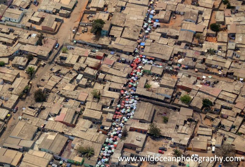 ANG015: Luanda market - Angola (W. Africa)