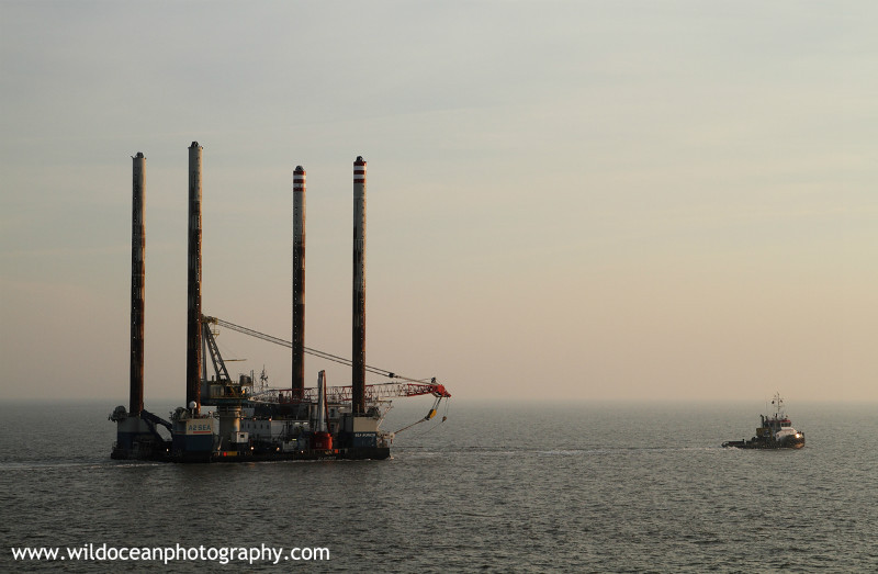 OGR001: Rig under tow - Oil / Gas / Shipping