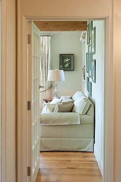 Through the doorway - Interiors & Architecture
